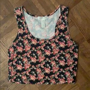 Flowered cropped top size M.